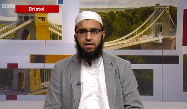 Imam who criticised Israel suspended by Muslim school