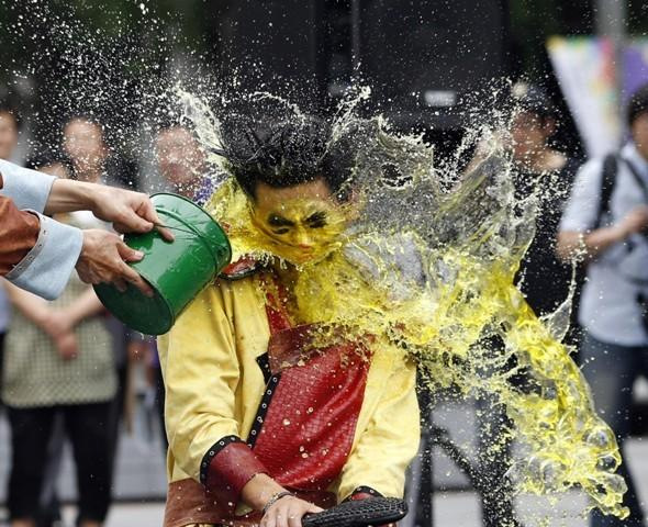 Picture of the Day: Water festival makes a splash!