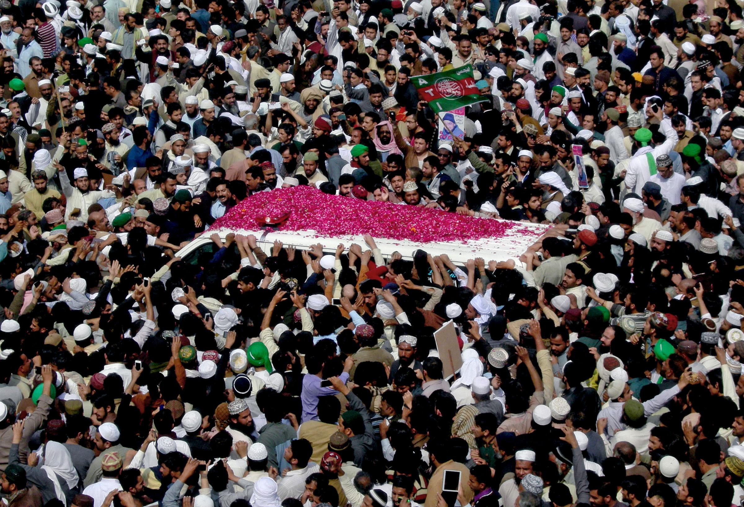 Huge crowds mourned Mumtaz Qadri in Pakistan.  He was hanged for killing Salmaan Taseer over his opposition to blasphemy laws