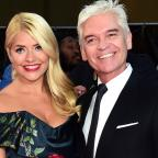 Asian Image: Holly Willoughby and Phillip Schofield mock Taylor Swift and Tom Hiddleston in hilarious holiday snaps