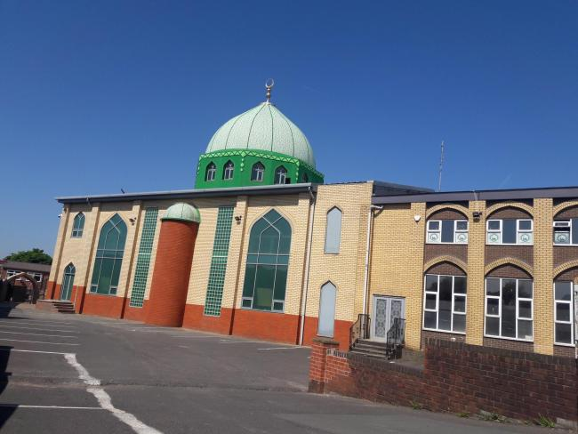 Imams say 'mosques have been unfairly targeted' by Covid rules