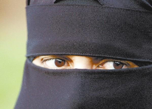 Philip Hollobone MP calls for British ban on face veil